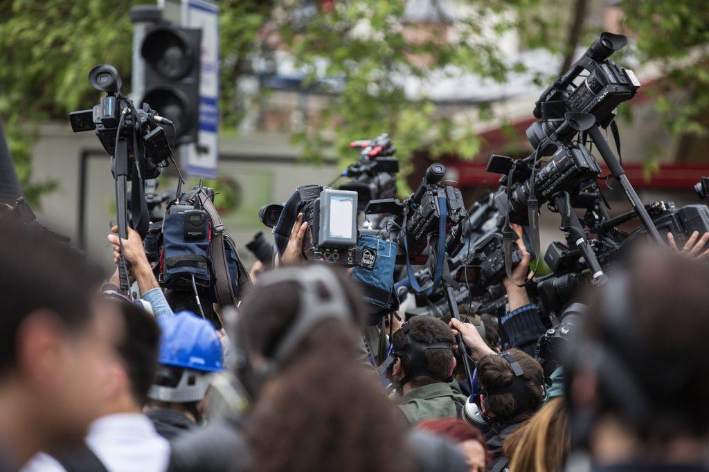 La presse au service des promoteurs et institutions financières