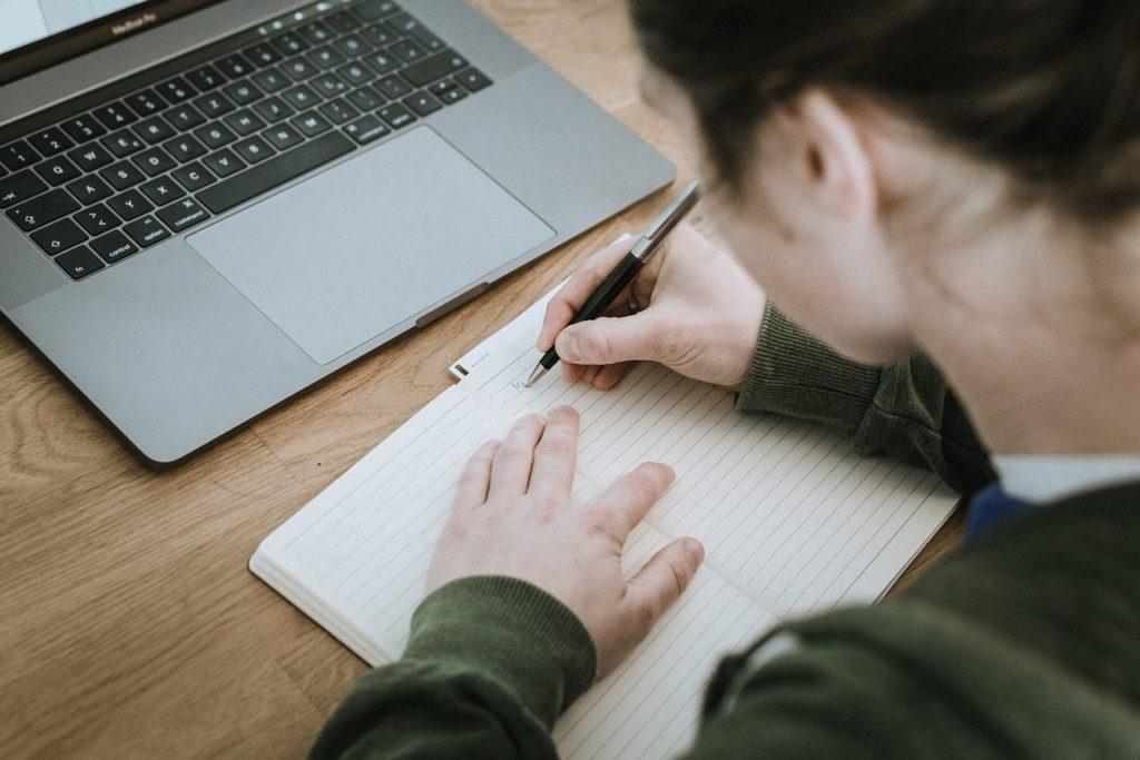 Organiser son bureau - Utiliser le cahier de notes